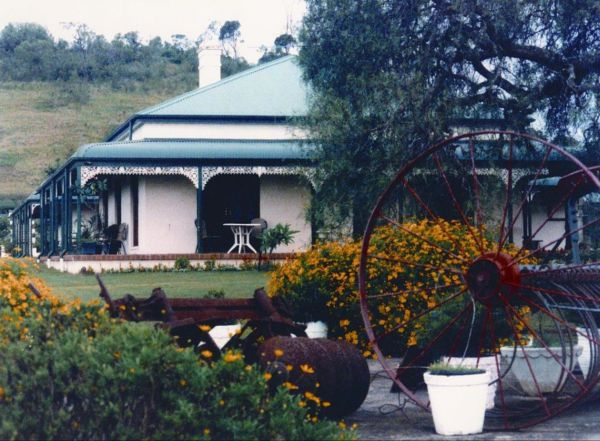 Pepper Tree Ridge Bed and Breakfast - Mackay Tourism