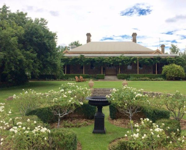 Clifton House and Gardens Farm Stay Accommodation - Mackay Tourism