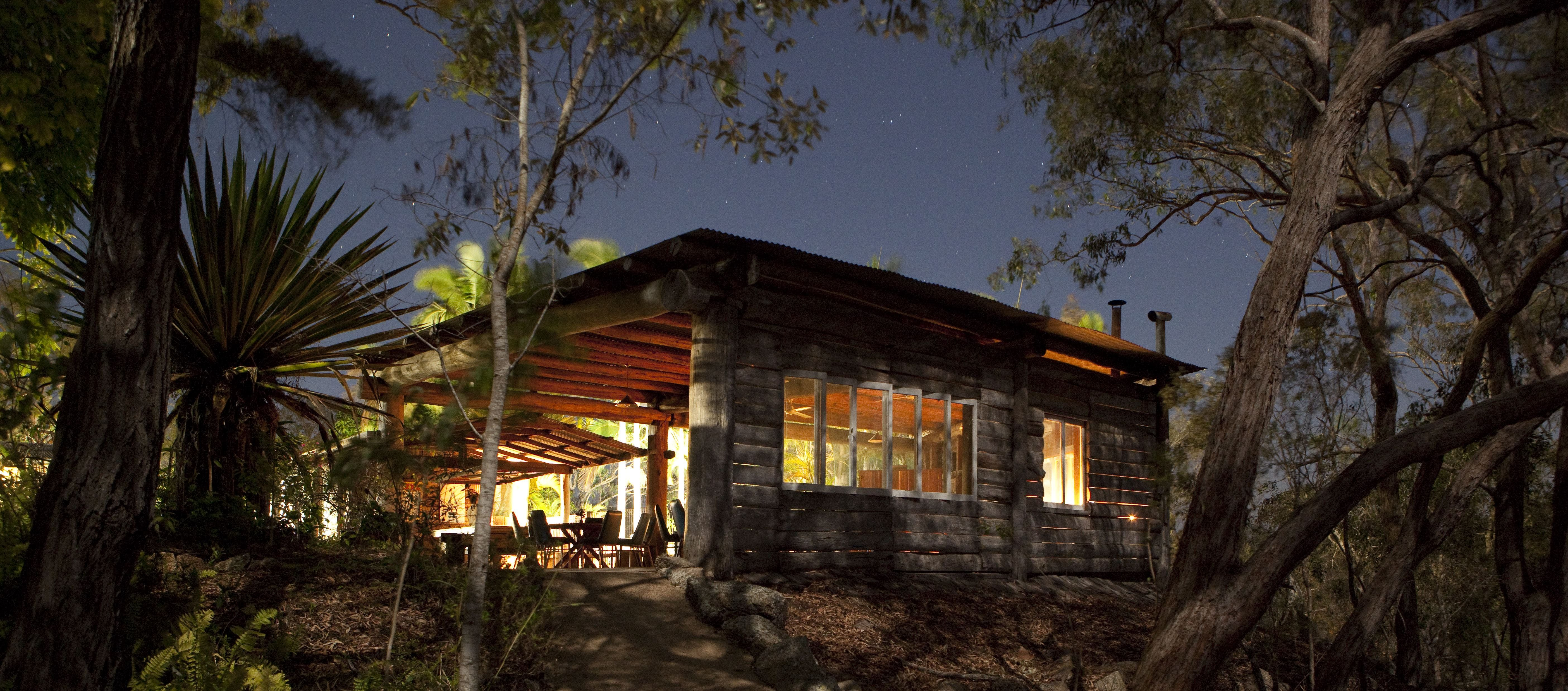 Hidden Valley Cabins - Mackay Tourism