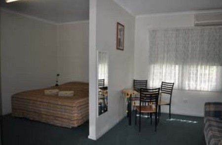 Back Obourke Accommodation - Mackay Tourism