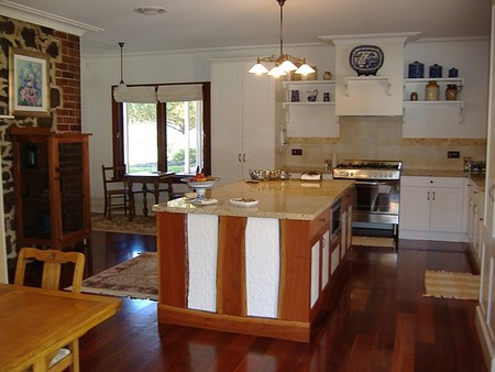 Poplar Cottage Bed And Breakfast - Mackay Tourism