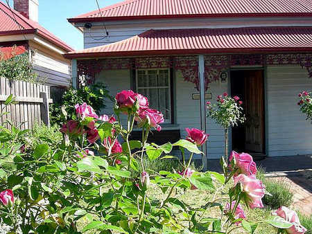 Airleigh - Rose Cottage - Mackay Tourism