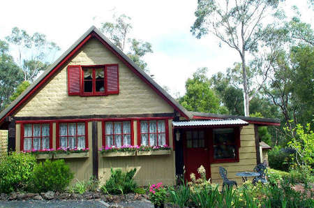 Jumbuk Cottage Bed and Breakfast - Mackay Tourism