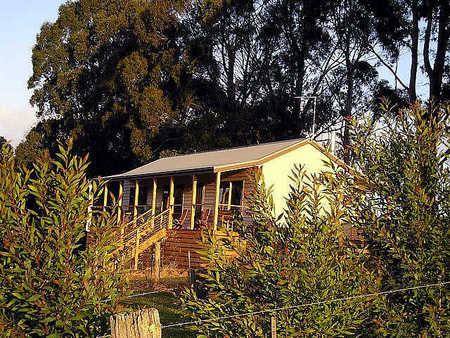 Birchwood Retreat Country Cottages - Mackay Tourism