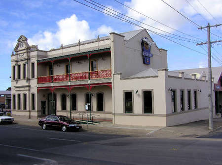 Mitchell River Tavern - Mackay Tourism