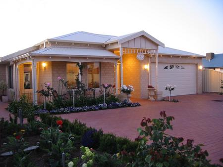 Sussex on Willis Cove Bed and Breakfast - Mackay Tourism