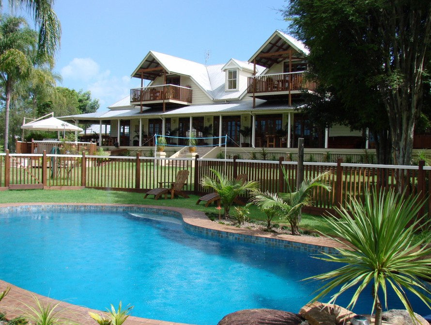 Clarence River Bed  Breakfast - Mackay Tourism