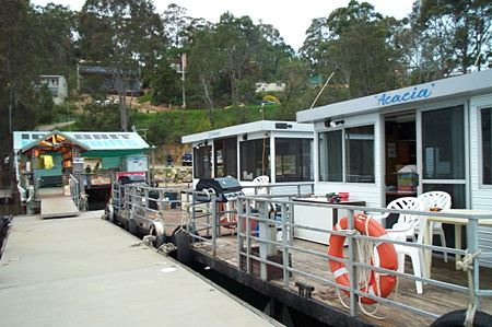 Clyde River Houseboats - Mackay Tourism