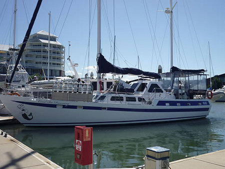 Coral Sea Dreaming Dive and Sail - Mackay Tourism