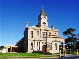Historic Wallaroo Town Walk - Mackay Tourism