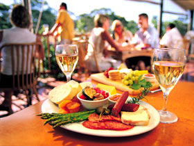 Eldredge Vineyards And Restaurant - Mackay Tourism