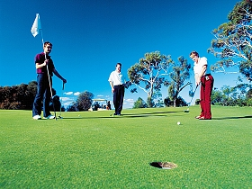 Scamander River Golf Club - Mackay Tourism