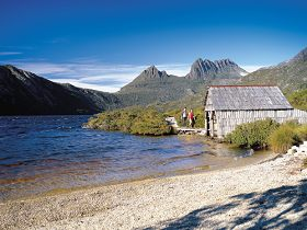 Dove Lake Circuit - Mackay Tourism