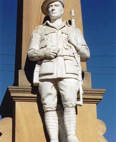 Beaudesert War Memorial - Mackay Tourism