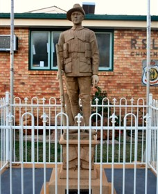 Soldier Statue Memorial Chinchilla - Mackay Tourism