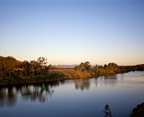 Lake Wivenhoe - Mackay Tourism
