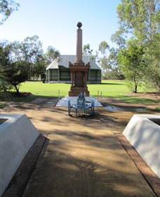 Mitchell War Memorial - Mackay Tourism