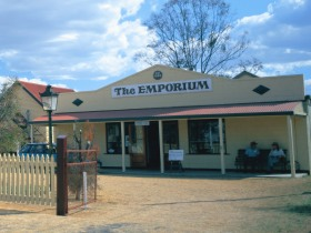 Warwick Historical Society Museum - Mackay Tourism