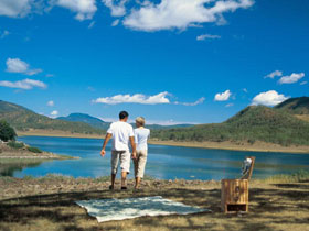 Lake Maroon - Mackay Tourism