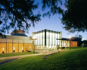 Bendigo Art Gallery - Mackay Tourism