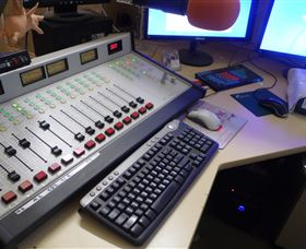 Peak Hill FM Community Radio Station - Mackay Tourism