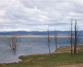 Lake Eucumbene - Mackay Tourism