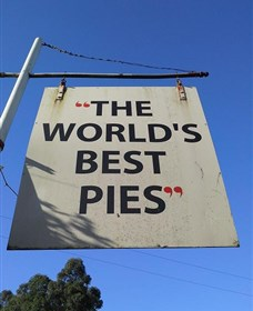 Kangaroo Valley Pie Shop - Mackay Tourism