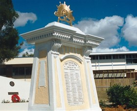 Beenleigh War Memorial - Mackay Tourism