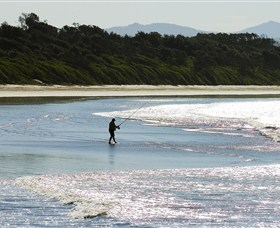 Old Bar Beach - Mackay Tourism