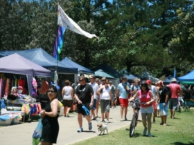 Coolangatta Art and Craft Markets - Mackay Tourism