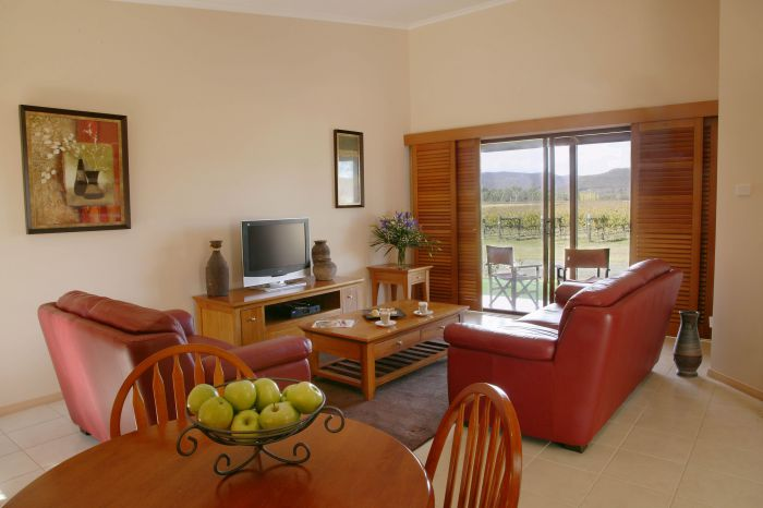 Nightingale Wines Luxury Villas - Mackay Tourism