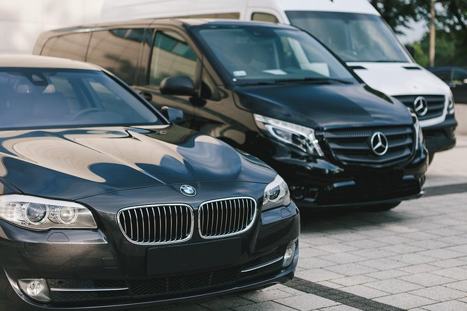 Perth Airport to Hotel Round-Trip Private Business Transfer