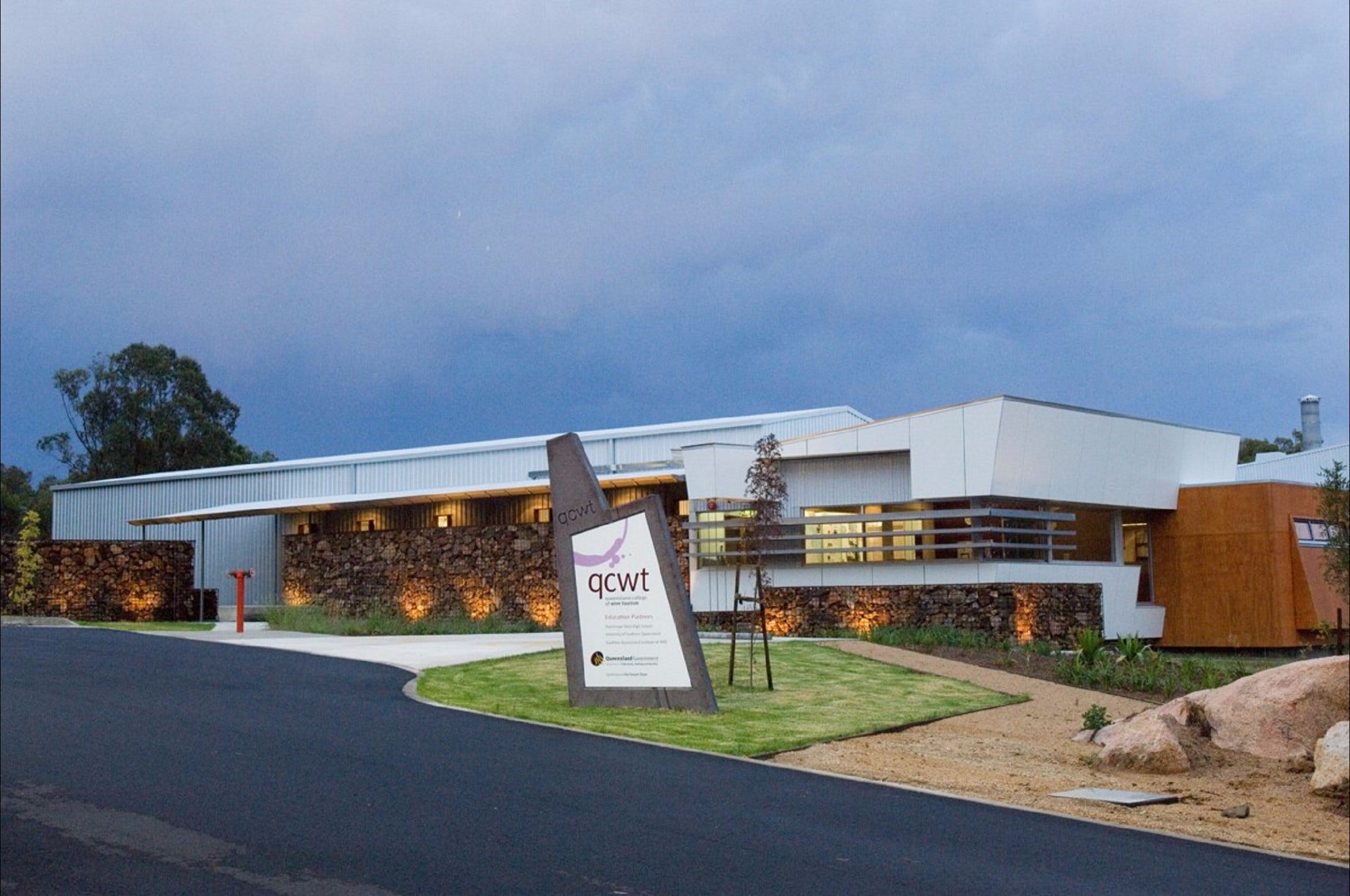 Varias Restaurant and Function Centre at the Queensland College of Wine Tourism - Mackay Tourism