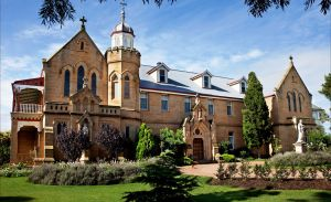 Abbey of the Roses - Mackay Tourism