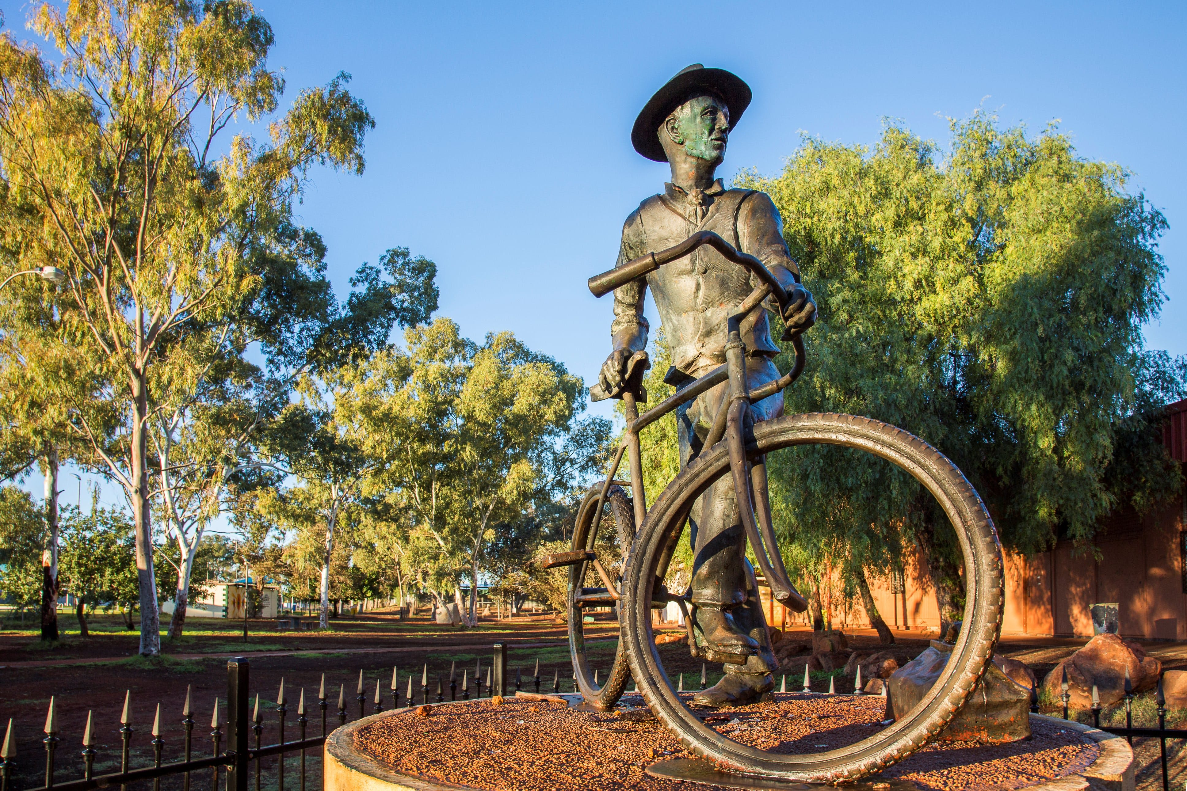 Laverton - Mackay Tourism