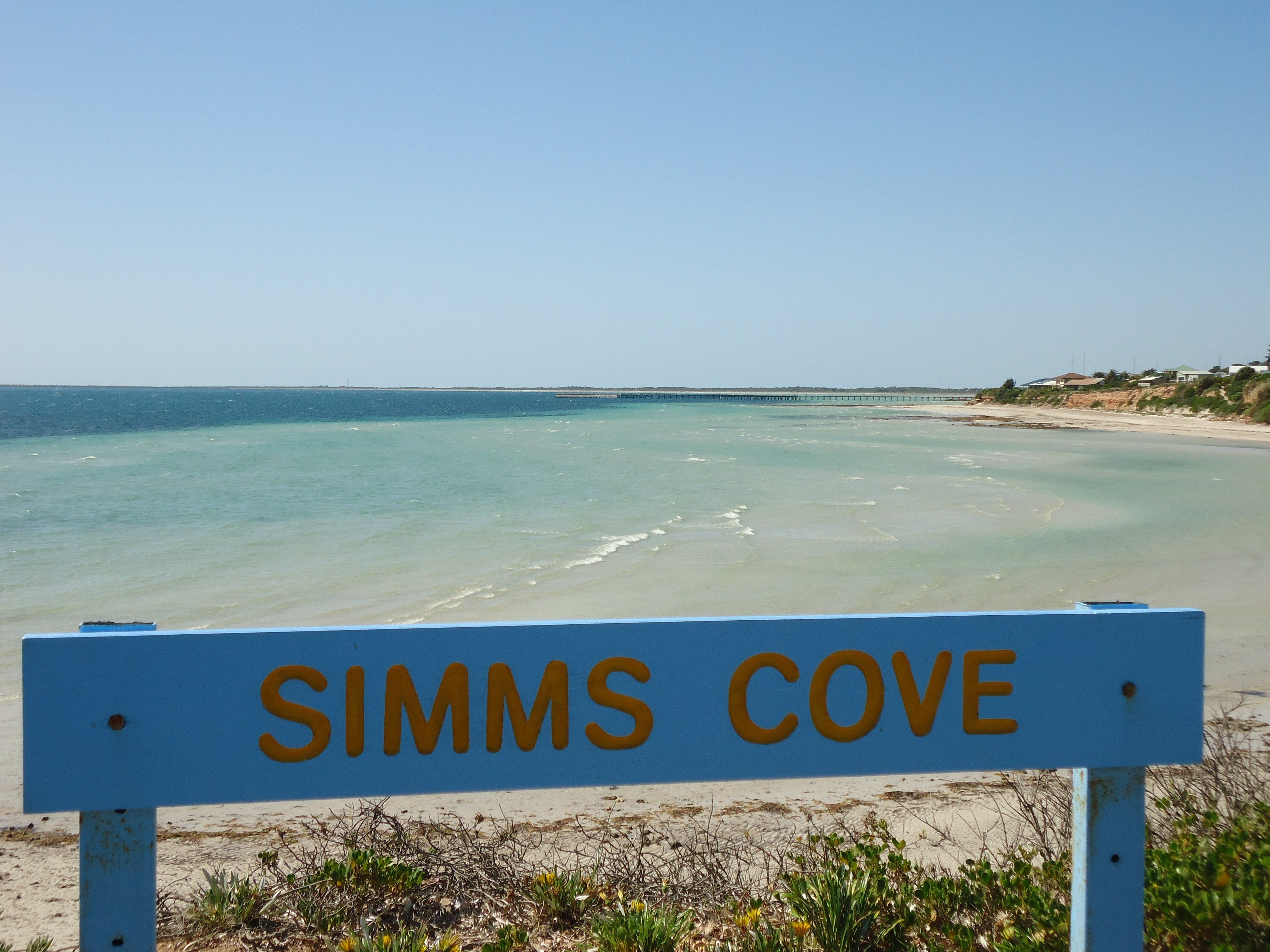 Simms Cove lookout and beach Moonta Bay - Mackay Tourism