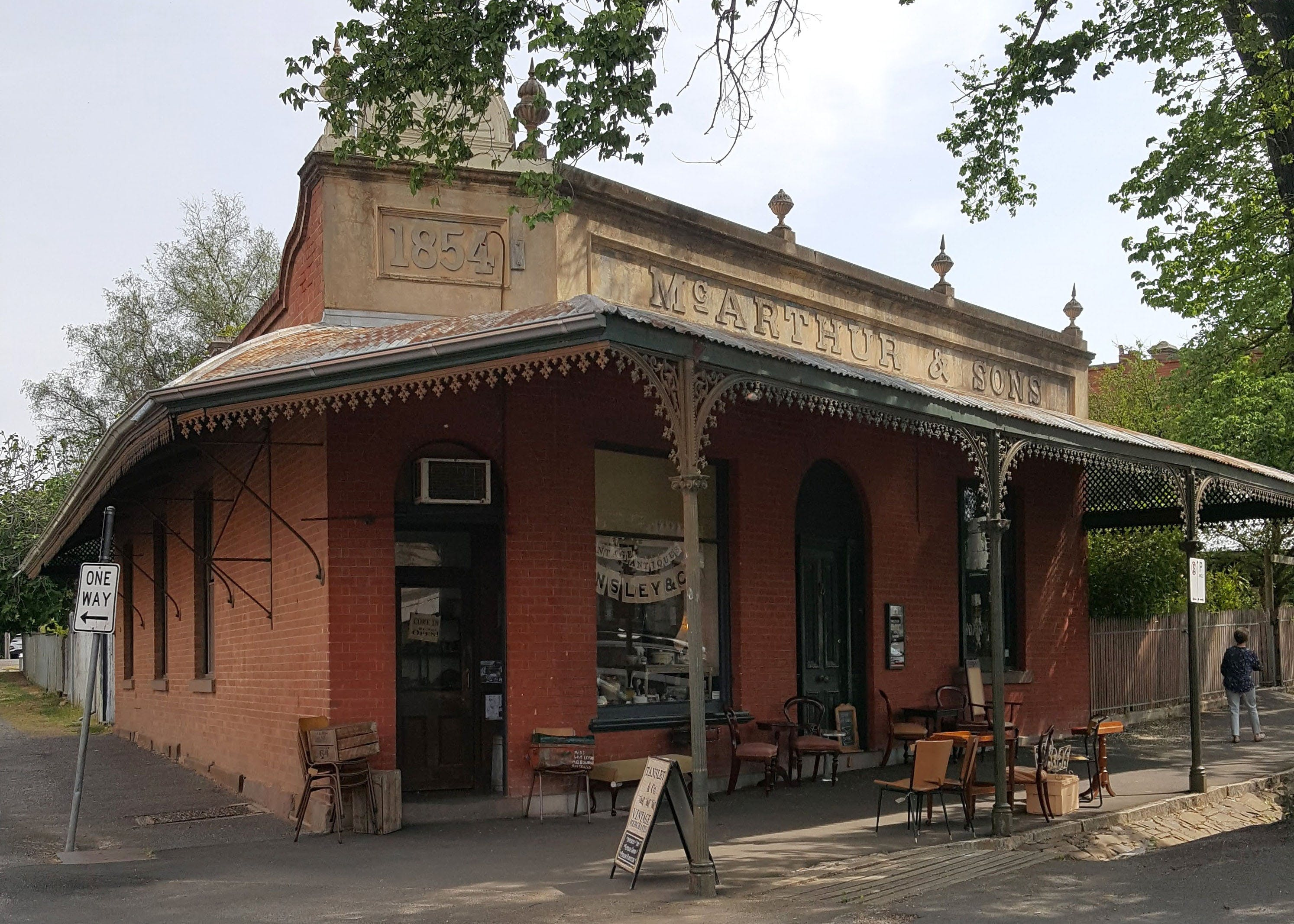 Tansley  Co Vintage Merchants - Mackay Tourism