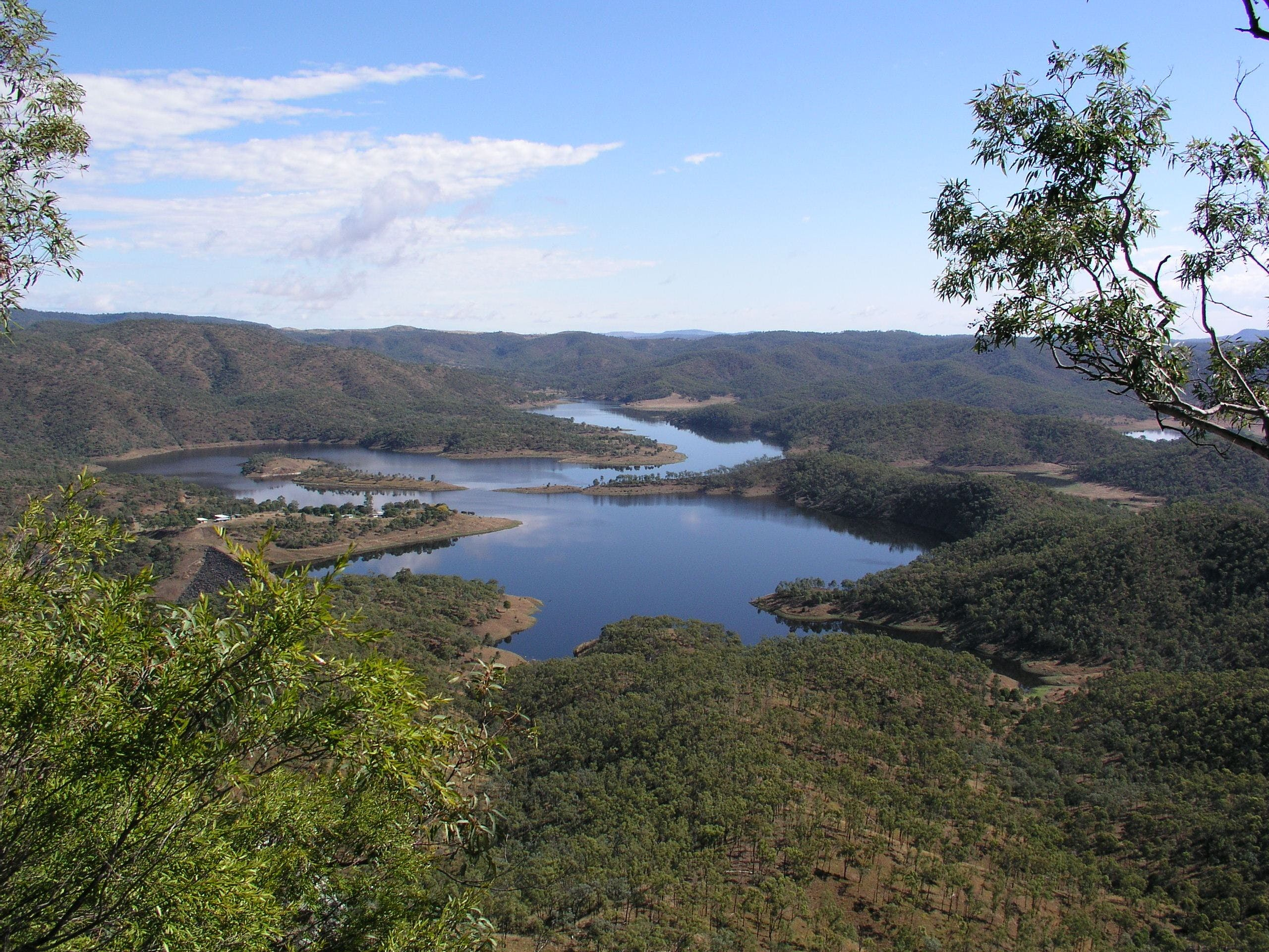 Lake Cania - Mackay Tourism