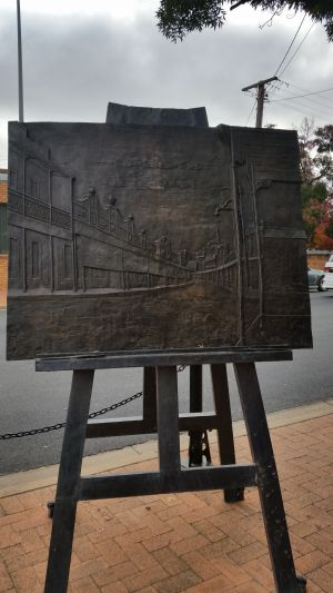 Russell Drysdale Easel Sculpture - Mackay Tourism