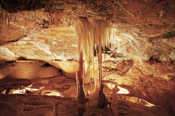 Jenolan Caves Ribbon Cave Tour - Mackay Tourism