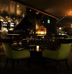 Trademark Hotel Lounge Bar and Piano Room - Mackay Tourism