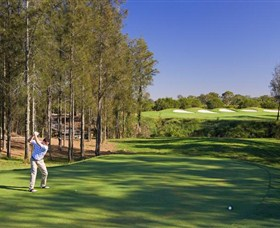 Hunter Valley Golf and Country Club - Mackay Tourism