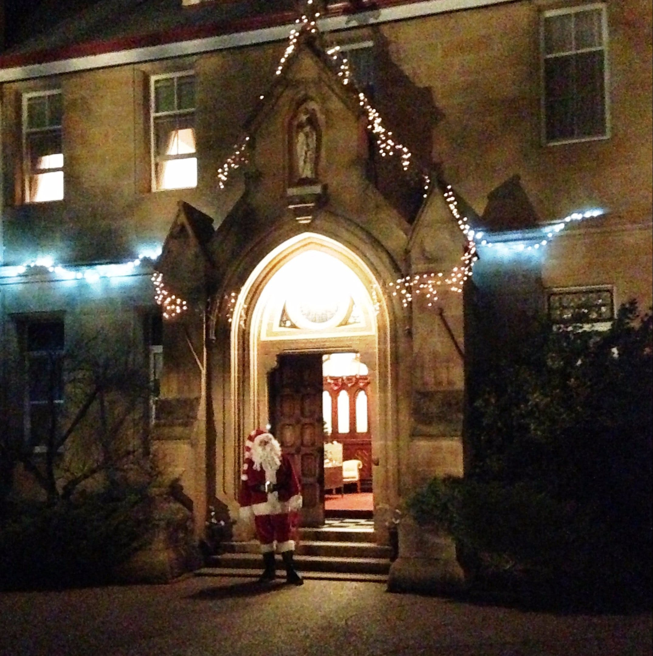 Abbey of the Roses - Christmas in July - Mackay Tourism