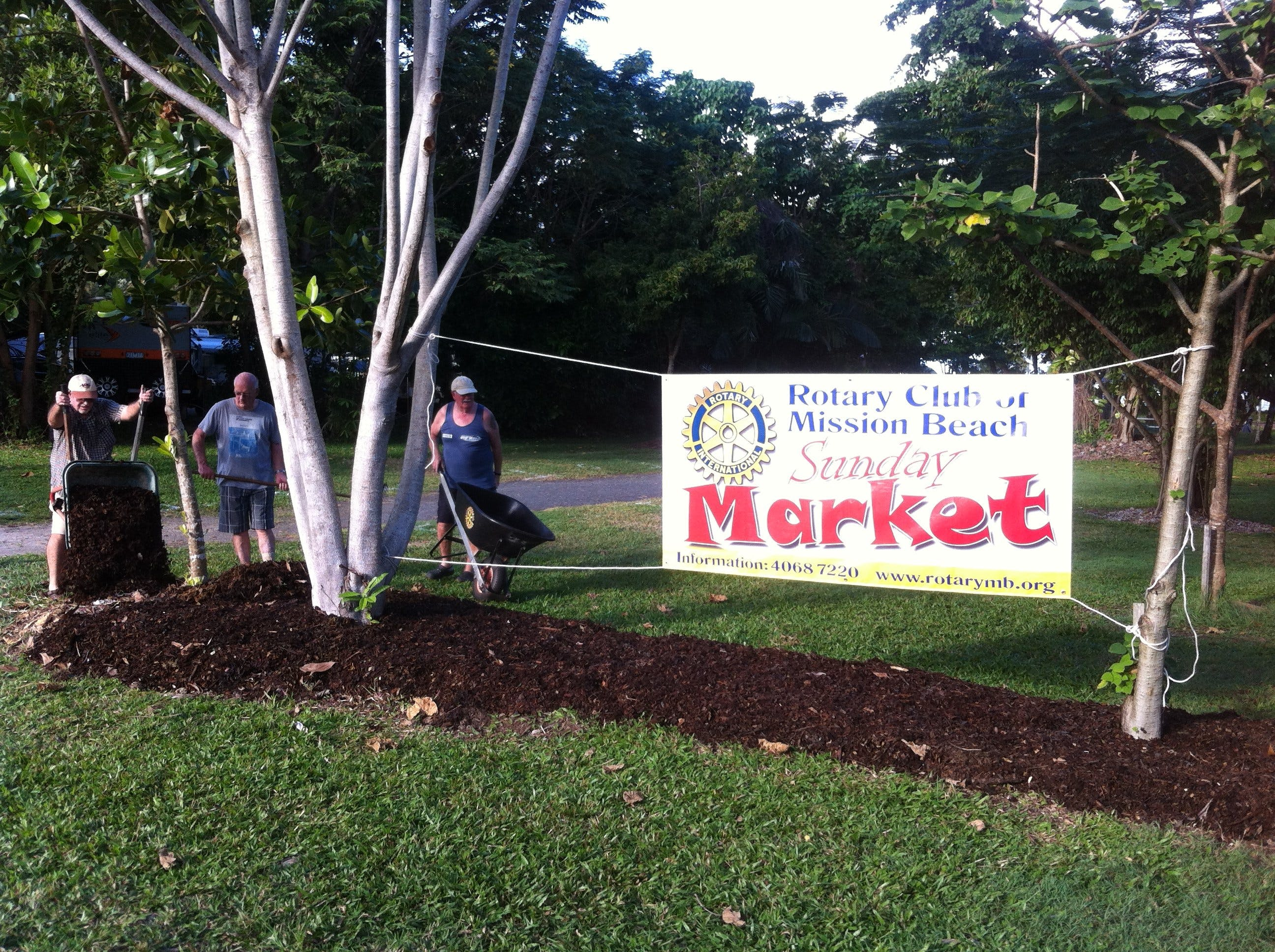 Mission Beach Markets - Mackay Tourism