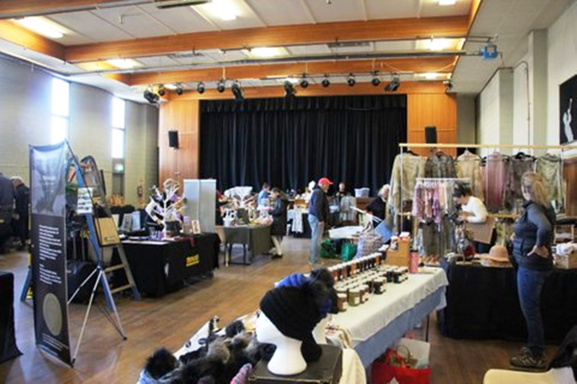 Jindabyne Hall Markets - Mackay Tourism