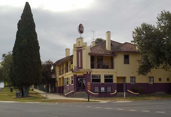 Commercial Hotel - Mackay Tourism