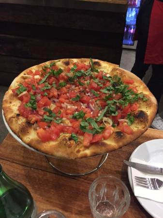 Fratelli's Wood Fired Pizza - Mackay Tourism