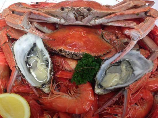 Smith's Seafoods - Mackay Tourism