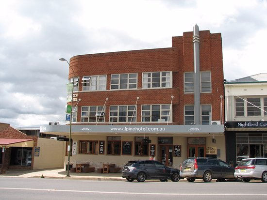 The Alpine Hotel Restaurant Cooma - Mackay Tourism