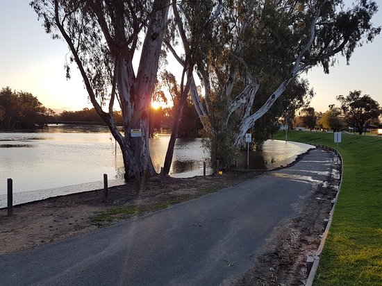 The Foreshore Tocumwal - Mackay Tourism